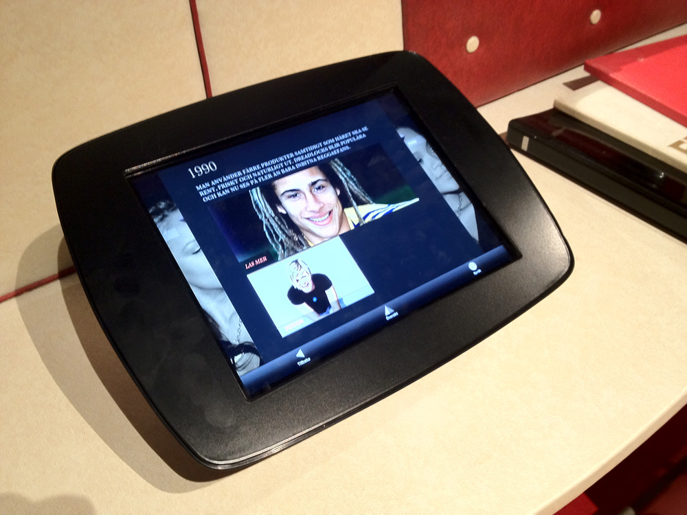 Tidslinje för iPads i utställningen Hår baserat på verktyget Kulturpunkt.